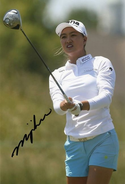 Minjee Lee, signed 12x8 inch photo.